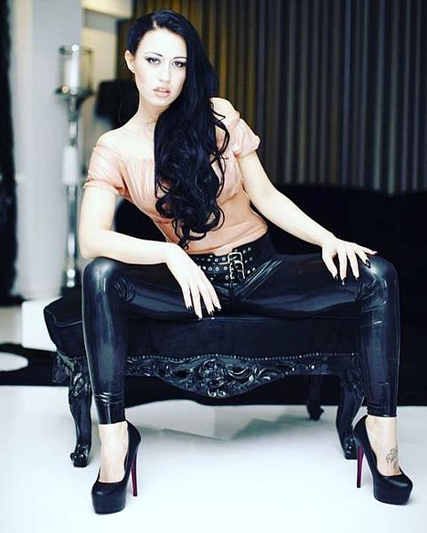 studio jeanne dark leder sex geschichten